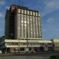 Здание  педагогического  института  в Ивано - Франковске :: Андрей  Васильевич Коляскин