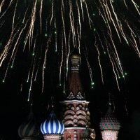 Праздничный салют по случаю 70-летия Великой Победы! :: Sergey Vedyashkin