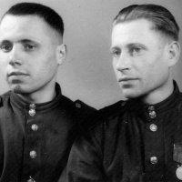 ФОТО 1945 ГОДА. СОЛДАТАМ ПО 21-22 ГОДА :: Наталья