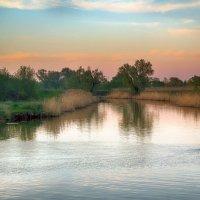 Вечер на реке Цне. :: Александр Селезнев