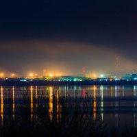 За озером Комсомольск. Дыхание города... :: Сергей Щелкунов