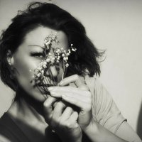 Закрой глаза… Рисуй со мной весну… Возьми с души своей поярче краски...... :: Елена