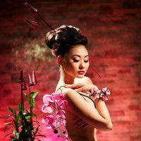 Орхидея из Поднебесной :: Виталий Зверев
