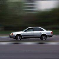 Автомобиль в движении :: Sasha Berg
