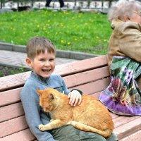 Мальчик и рыжий кот :: Игорь Попов
