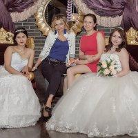 Невесты :: Максим Леонтьев