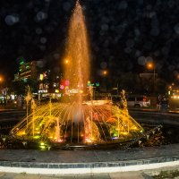 Ночной фонтан. :: Юрий Харченко