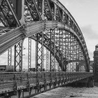 Большеохтинский мост. СПБ :: shvlad