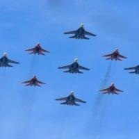 Часть воздушного парада :: Nikolay Ya.......