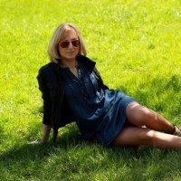 На траве :: Дмитрий Арсеньев