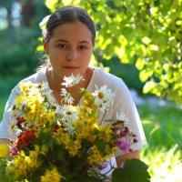 Девочка с букетом :: Виктор Седов