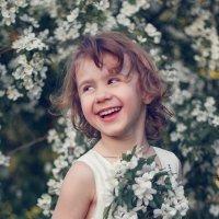 Оля и весна :: Наталия Давыдова
