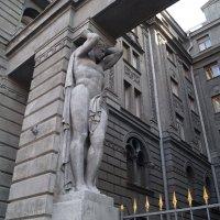 Фрагмент ворот в дом на набережной. Санкт- Петербург. :: Серж Поветкин