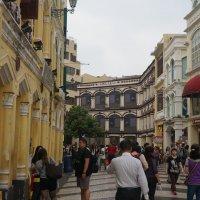 На улицах Мокао толпы туристов. :: Наталья Тимофеева