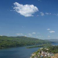 Монастырь на берегу Енисея :: Светлана Грызлова