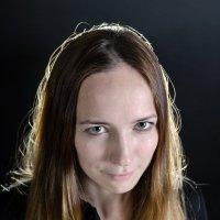 Женский потрет в контровом свете :: Александр Ивашков