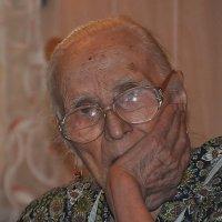 Старушка :: Александр Панфилов