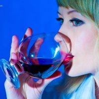 Бокал  вина.. :: Виктор Твердун