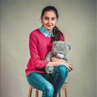 Девочка с мишкой :: Виктор Седов