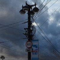 Весь город проводами окутали :: Savayr