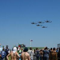 Пилотажная группа «Беркуты» на вертолетах Ми-28Н. :: nika555nika Ирина