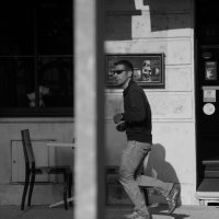 Просто улица.....просто в городе , во Франции. :: Елена Мартынова