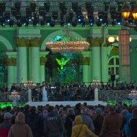 В честь Дня города на Дворцовой площади 24 мая звезды оперы и балета мировой величины. :: Владимир Питерский