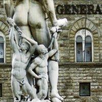 Quello, che Generali non vedono mai.Fontana del NETTUNO, FIRENZE, PIAZZA DELLA SIGNORIA, 24-05-2015 :: ira mashura