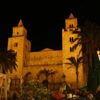 Сицилия, ночной Чефалу :: Матвей Акимов
