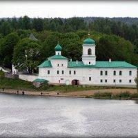 Вид на Мирожский мужской монастырь с Власьевской башни Псковского Кремля. :: Fededuard Винтанюк