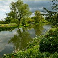 В средневековом парке :: Vanda Kremer