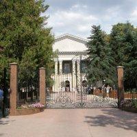Главное здание Симферопольского Мед. Универа. :: Александр Казанцев