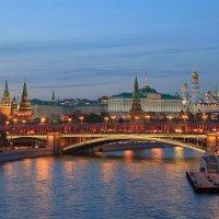 Праздничный Кремль :: Алексей Назаров