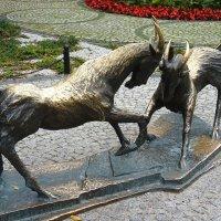 Символ города — два бодающихся козлика :: Елена Павлова (Смолова)