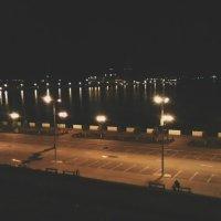 Ночная набережная :: Юра Хохряков