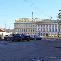 Утренний город :: Юрий Тихонов