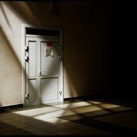 Закрытая дверь :: Алексей Хвастунов