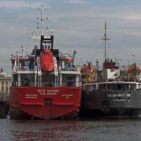 В нашу гавань заходили корабли. :: Владимир Питерский