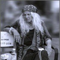 На лавочке-из серии золотой возраст-бабушки бабульки... :: Shmual Hava Retro