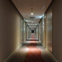 коридорчик в отеле :: Алексей Меринов