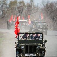 На шоссе старички :: Владимир Клещёв