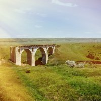 Старый мост. :: Геннадий Оробей