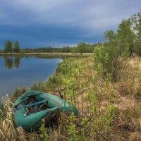 Лодка на берегу... :: Николай