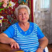 Хохотушка-веселушка соседка :: Таня Харитонова