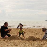 Строим замок из песка :: Елена Мартынова
