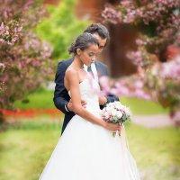 Прекрасные Алина и Александр в садах Коломенского :: Елена Юзифович