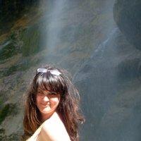 У водопада :: Юлия Бабитко