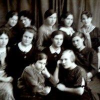 Студентки промышленно-экономического техникума, 1938 :: Лебедев Виктор
