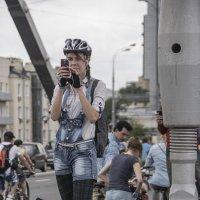Велосипедистка, фотограф и просто красавица! :: Яков Реймер