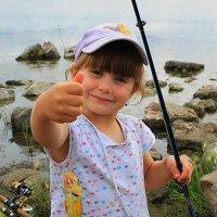 Удачная рыбалка :: Галина Стрельченя